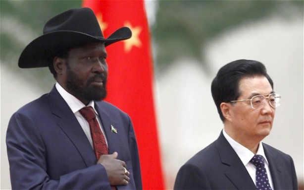 South Sudan's President Salva Kiir Mayardit (L) with his Chinese counterpart Hu Jintao