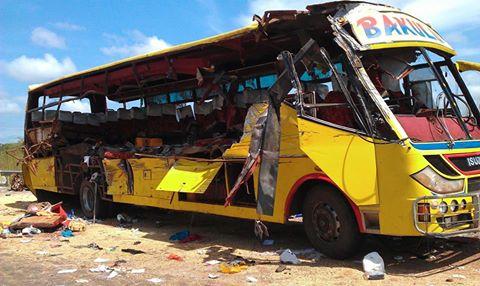 Baakulu bus that crashed head-on on the Jub-Nimule Highway, near Nesitu