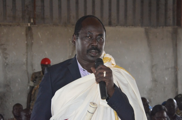 H.E. Philip Aguer the governor of Jonglei state addressing people of Jalle Payam on his vistit to Jalle January 2016