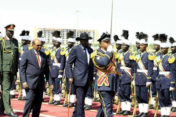 Bashir welcomes Kiir in khartoum